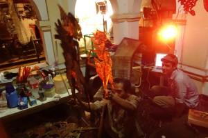 Dalang in action: Tardjono Wignyopranoto with Ascan Breuer (director)